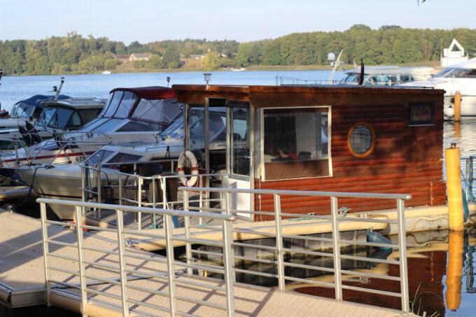 Dein traumhaftes Wochenende: Miete ein Hausboot in Brandenburg