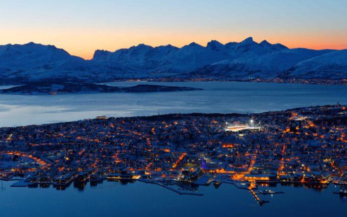 Nord-Norwegen feiert das Tageslicht